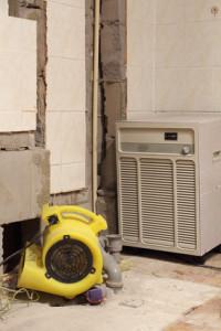Einsatz von Luftentfeuchtern und Bautrocknern im Neubau