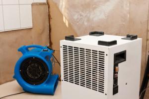 Luftentfeuchtung mit einem Kondensationstrockner